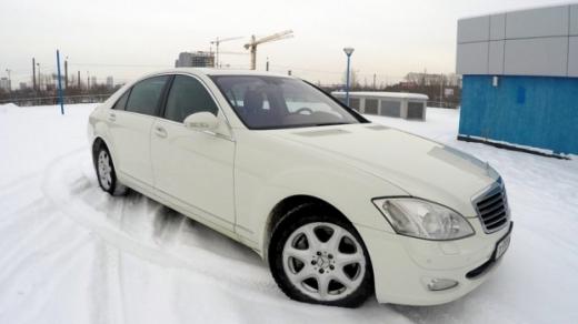 Мерседес-Бенц S500 белый