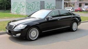 Мерседес Бенц W221 черный